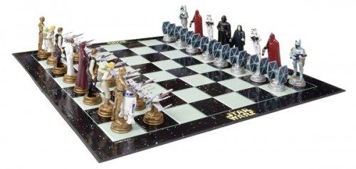 Star-Wars-Classic-3D-Chess-Set-Game-Size-17-x-17-0.jpg